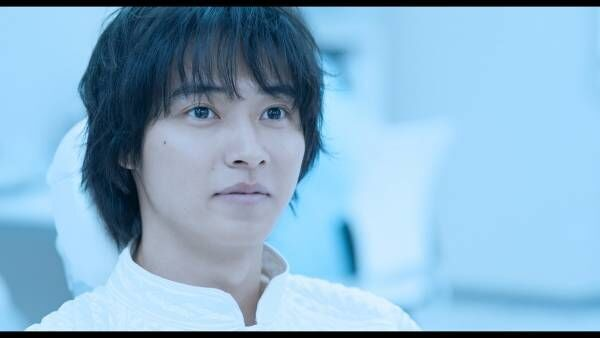 LiSAの歌声に、時を超える山崎賢人…『夏への扉』PV風の新予告映像