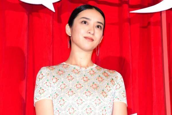 武井咲、スレンダーボディ際立つドレスで抜群の透明感! 『るろ剣』薫を演じて「幸せ」
