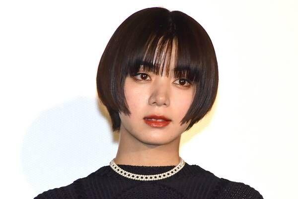 池田エライザ、ショートカット+超ミニ美脚でクールな美貌際立つ! 出演作には戦慄