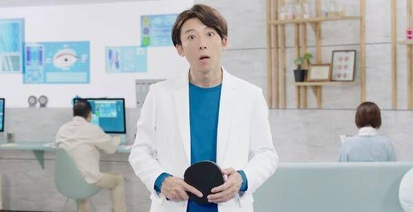 """高橋一生、白衣で美しい卓球フォーム披露 """"瞳思いラボ""""シリーズ最新作"""