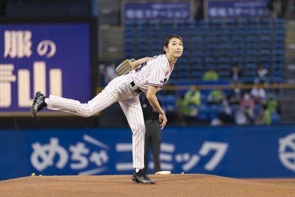 池江璃花子、初始球式でノーバン投球も悔しさ「ストライクを狙っていたので」