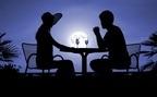 68年ぶりの特大スーパームーンが輝く!特別な夜はワイン片手にお月見を