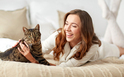 猫を飼うと婚期を逃す!?猫好きな女性の恋愛特徴をチェック…【恋占ニュース】