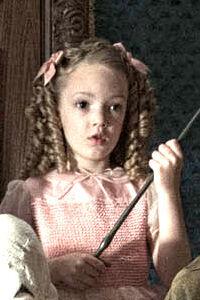 """あなたが秘める""""恋の力""""をタロットで占う!キミョかわいい映画『ミス・ペレグリンと奇妙なこどもたち』"""
