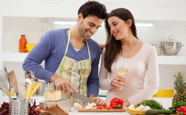 「料理男子」との結婚ってどう?太った、片付けない…妻たちが本音を暴露