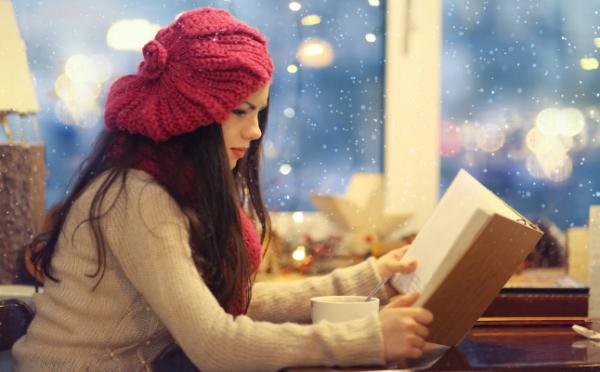 泣きたい夜は女性作家の小説を!片思い中のあなたにぴったりの本7冊