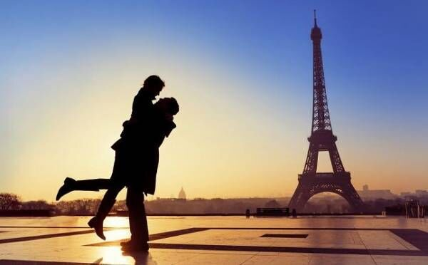 フランス語講師と恋に落ちて…!性に奔放なハーフイケメンの恋愛価値観