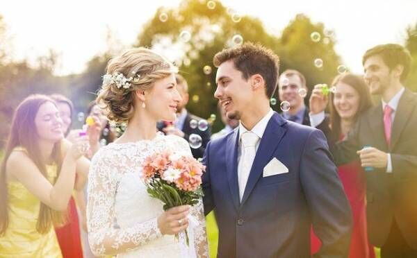 """リアルに結婚への近道!?""""友達の紹介""""きっかけだと恋が成就しやすい理由"""