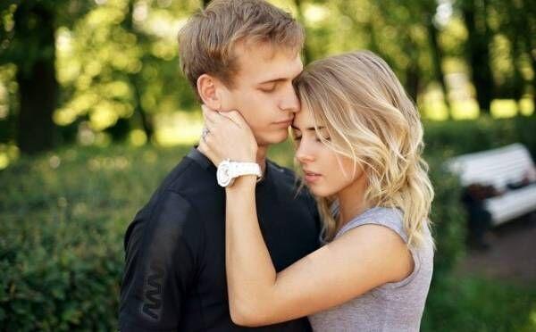 【7月の恋占い】「月運命数2」の人は無理めな恋が叶い、交際スタート!?