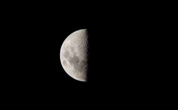 牡牛座はあの人と一歩進んだ関係に?10月21日「下弦の月」月星座別メッセージ