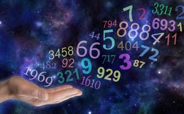 「1111」という数字を見たら、運命の出会いが近づいている証拠!エンジェルナンバーのメッセージ