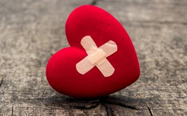 絆創膏で恋が叶う!? 片思い、復縁…幸せを引き寄せるおまじない5つ