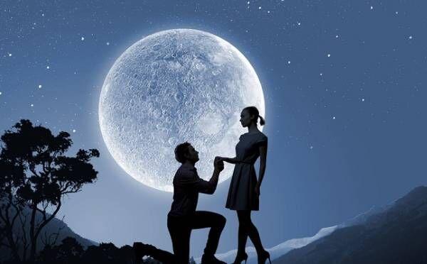 天秤座は身近な人との恋のチャンスが!8/4「水瓶座満月」12星座別・恋のルーン占い