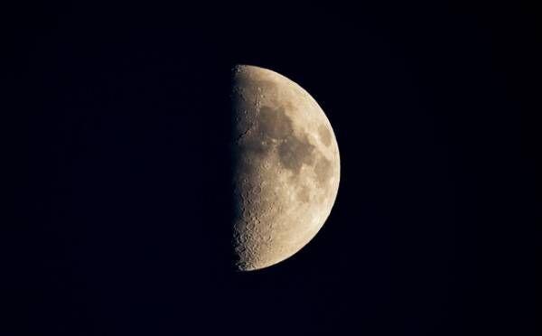 天秤座はレベルアップできそう!8月26日「上弦の月」月星座別☆メッセージ