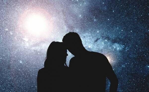 12月22日は「グレート・コンジャンクション」…星の配置が恋や結婚に与える影響とは?