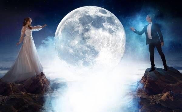 水瓶座は想定外の恋の予感!3/29「天秤座満月」12星座別・恋のルーン占い