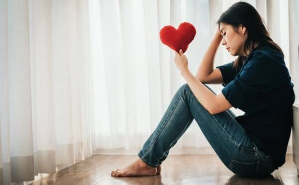 失恋が死ぬほどつらいのはなぜ? 別れを経験して心が痛む本当の理由とは…