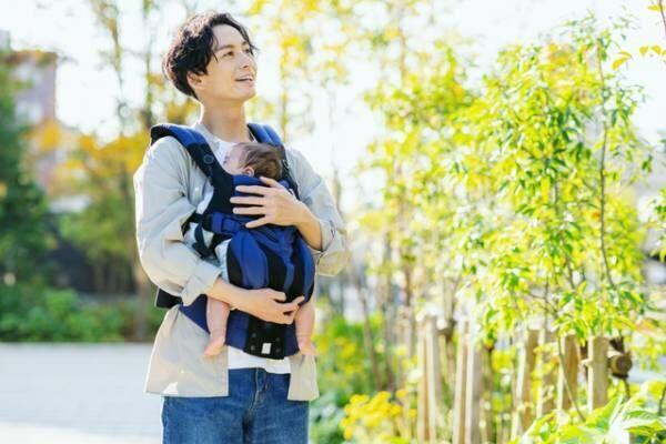 Twitterで時の人「赤井英和の嫁佳子」さんが抱っこ紐のパパに思うことの画像