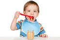 まだまだ食中毒に気をつけて! ミルクや離乳食の持ち歩き方ってどうしてる? オススメ保存方法や気になる使い捨て哺乳瓶って?