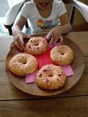 《こどもと一緒にお菓子作り!》混ぜて焼くだけ、いちごのおやつ♡ 栄養満点&噛みごたえ抜群♪