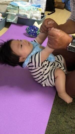 《赤ちゃんの◎◎反射》どれだけ知っている? 一瞬しか見られない、赤ちゃんのカワイイ反射まとめ♡