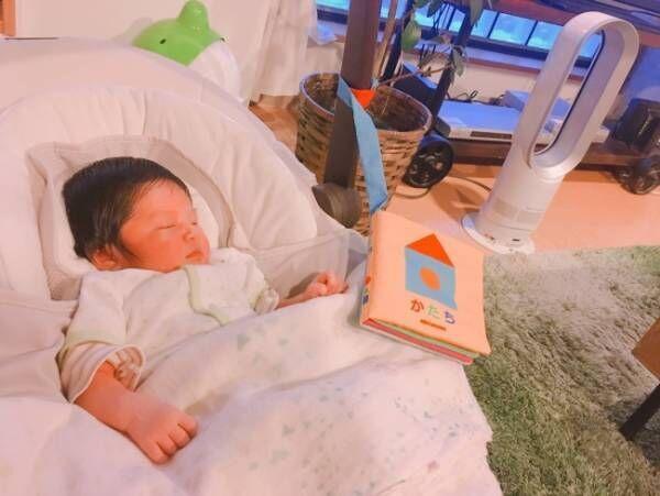 《赤ちゃんの定位置はどこ?》バウンサーorスウィング ママたち愛用の室内ベビー用品を、比べてみました