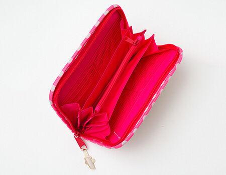 《ママになったら一番初めに買うアイテムって?》妊娠中からず〜っと使う、母子手帳ケースを探そう