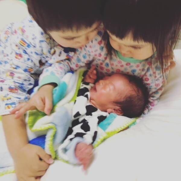 《弟ができました♡》兄姉には、どう伝える? 上の子が赤ちゃんを迎えるための準備って…