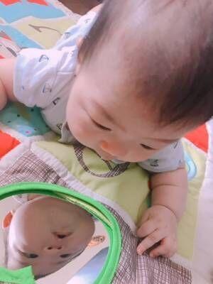 【おうちで何して遊んでる?】月齢別、赤ちゃんとの家遊びはこんなことをしています♪