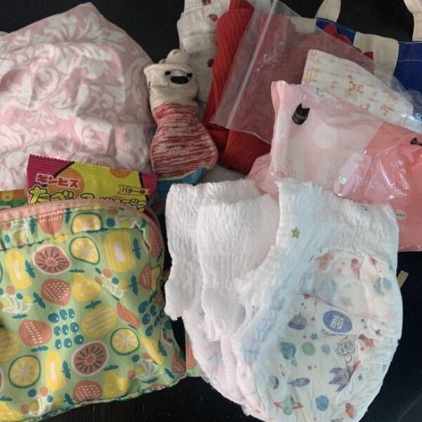 《ママバッグの中身見せます》3歳息子とのおさんぽ必需品! オムツ、おやつ、おもちゃはどれくらい?