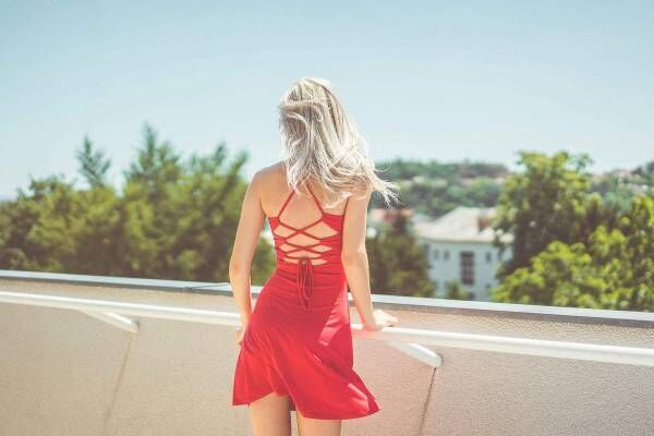 Young blonde woman looking around on terrace free stock photos picjumbo dsc06962 2210x1473