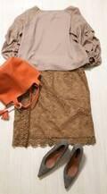 UNIQLOレーススカートは「秋色」がおすすめ。グラデーションコーデも簡単です