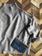 H&Mの上品グレーニットで大人女子のオンオフ着まわしコーデ