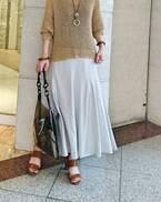 夏の定番「白スカート」 選び方と着こなしのコツ