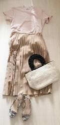 UNIQLO人気商品「プリーツロングスカート」、秋の新色で季節を先取り!