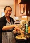 """ママのお仕事拝見[ NY版 ]""""おもてなし家庭料理""""でママをハッピーにする料理教室講師"""