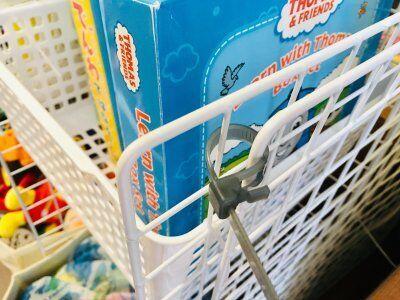 【100均】ワイヤーネットで本やおもちゃの収納を作成。仕切り代わりにも