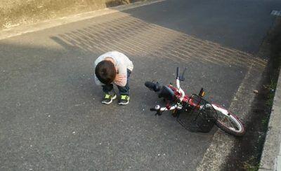 怖くて自転車に乗れない!ビビリな小1息子がペダルをこぎ出せたのは