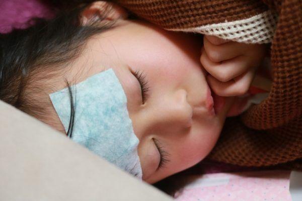 小さな子に多い「熱性けいれん」2人の娘は5回発症!対処法は?