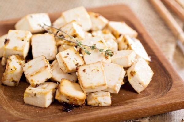 豆腐の「木綿」と「絹」は、なにが違う?「絹ごしは絹を使わない」