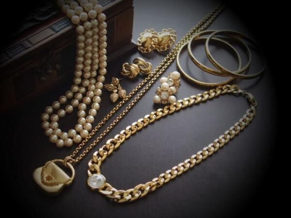 プラチナ、ゴールド、シルバーなど、ジュエリー素材について絶対知っておくべきコト