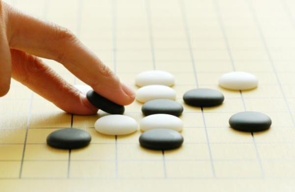 意外と知らない知識「囲碁の碁石→黒石の方が大きい」