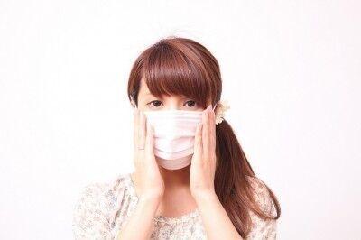 花粉症シーズンにマスクをして外出する際、メイクは手抜きする? しない?