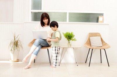 子どもの近くにいたい! 自宅で出来る仕事の資格9選