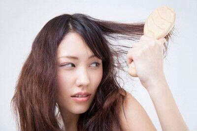 ヘアケアマイスターに聞く。カラーやパーマで傷んだ髪の補修方法とは?