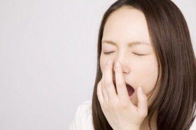 眠くてしょうがない! 生理中の眠気の対処法