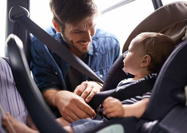 67bf4e9ffd6 法律をチェック!何歳まで使わなければいけないの? 道路交通法では、第七十一条の三の3項に「自動車の運転者は、幼児用補助装置を使用しない幼児を乗車させて 自動車を ...