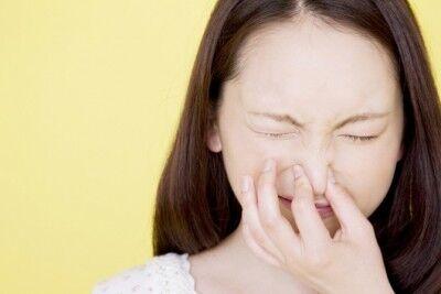 もうボロボロ……。花粉時期の「鼻まわりの肌トラブル」事情