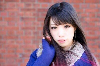 「斜めわけ」VS「センターわけ」! 女性人気が高い「前髪」スタイルはどっち?