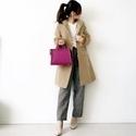 マスキュリンなスタイルは、ピンクのバッグでレディに味つけ #東京365日コーデ